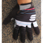 2016-team-sportful-cycle-gloves-full-finger-black-white